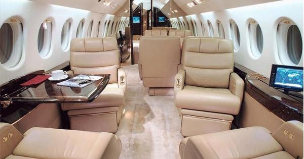 Private Jet Dassault Falcon 9000